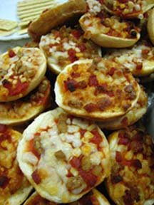 Pizza Bagels are an easy make ahead freezer mealfor a fash lunch or snack. Phot by Star5112 on flicker used under the Creative Commons license.